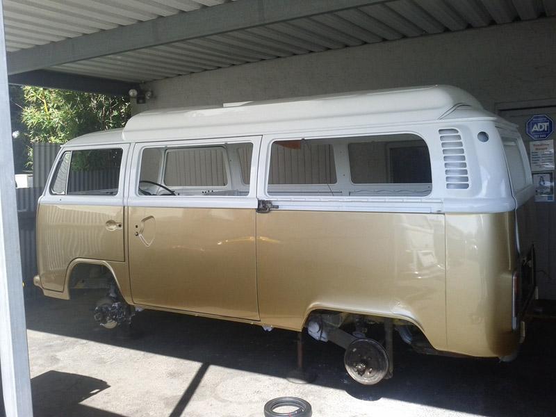 wheelless-van